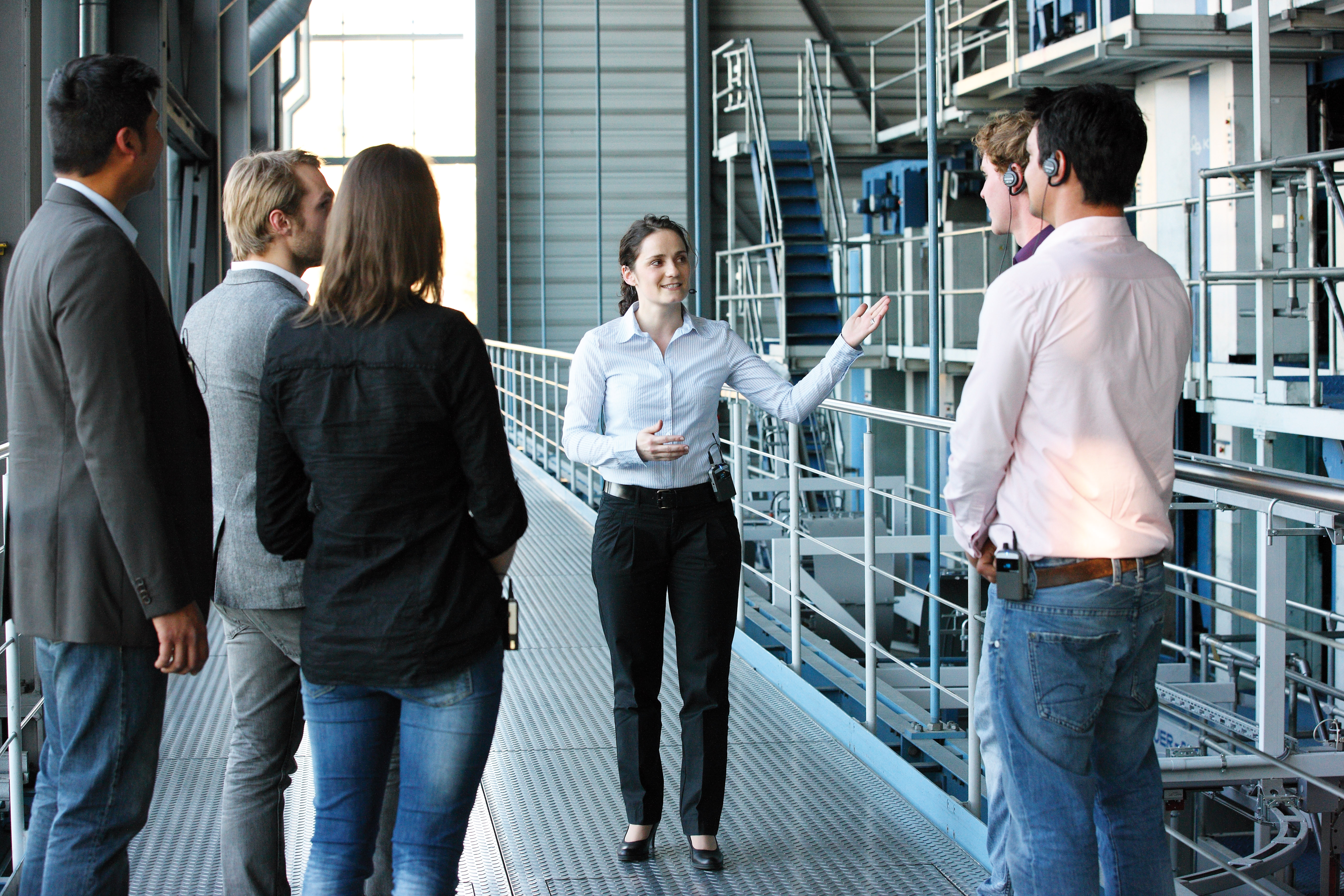 Phiên dịch tại Nhà Máy, phiên dịch chuyên nghiệp tại Nhà Máy